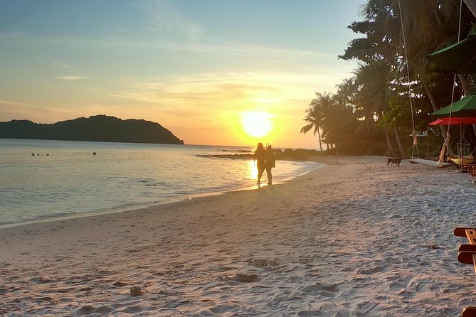 "OnBird - PRIVATE Snorkeling Trip - Discover ""U"" Turn and Sunset BBQ on Island, Phu Quoc, VIETNAM"