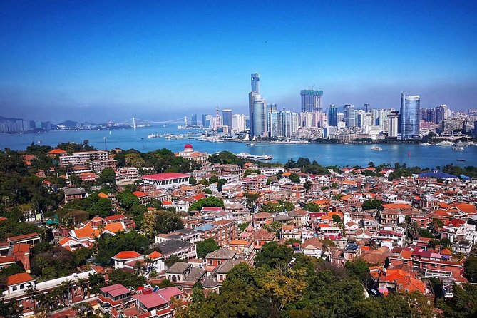 Spend half of the day away from the hustle and bustle of the city and take a tour to the most must-see Gulangyu Island. After a comfortable and convenient pickup, visit the picturesque island with a professional guide. Enjoy a relaxing stroll around the island and discover some of the region's oldest monuments and check out the famed villa called Hi Heaven(Hai Tian Tang Gou) ,one of the top ten villas in Gulangyu Island, where you can enjoy the ancient South Music performance and the traditional Puppet Show.<br>