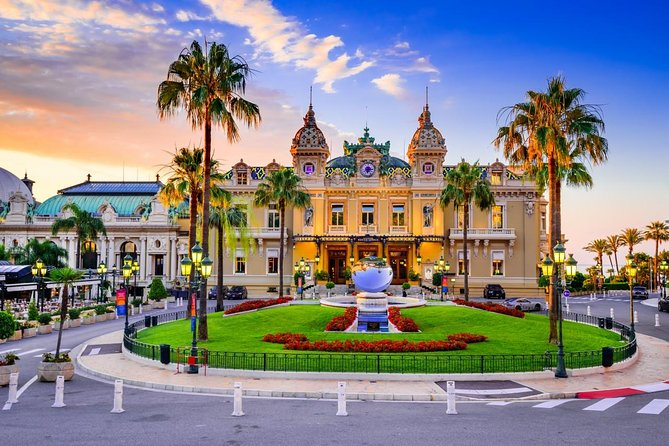 • Around 4 Hours Tour <br> • Guided tour in English <br> • Train Tickets Nice to Monaco Open return ( Use your train Ticket at any time after the Tour) <br> • Explore 20 spots and hidden corner of Monaco <br> • Small Group Tour 15 people Maximum <br>