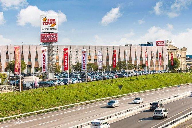 MÁS FOTOS, Fox Town shopping center, private shopping assistance