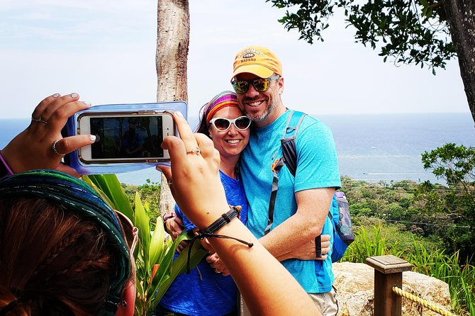 PRIVATE Monkey and Sloth Adventure, Roatan, HONDURAS