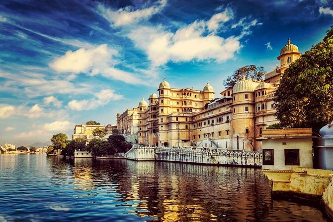 If you are looking for a quick drop from Pushkar to Udaipur than this tour is for you. On this Private Activity you have the option to choose from the many time slots as per your convenience and you can take drop Off at any desired destination i.e. Airport/ Station/ Hotel/ Resort in Udaipur.