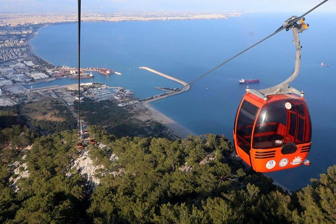 See the sights of Antalya city and discover the region's most beautiful waterfalls and join Tunektepe cable car ride on a Full-day guided tour from Antalya. Enjoy 1-Hour boat trip from old Marina. Satisfy your appetite with lunch at a typical Turkish restaurant in Kaleici. Get 1-Hour free time at the Bazaar. <br>