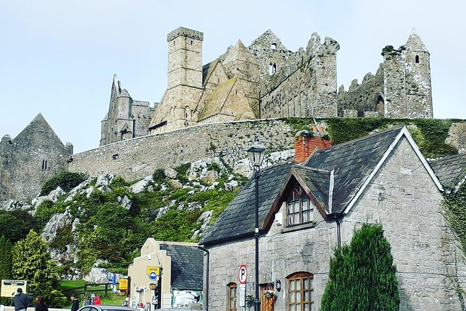 Kilkenny taxi tours will take you on a fantastic day tour to the Rock of Cashel. Your Driver/Guide will meet you at your <br>Hotel, B&B or Guesthouse.<br><br>It's time to sit back, relax,and enjoy the drive to County, Tipperary.<br><br>On this tour you will be visiting the Rock of Cashel, Cahir Castle,Swiss Cottage and the Medieval Town of Fethard.