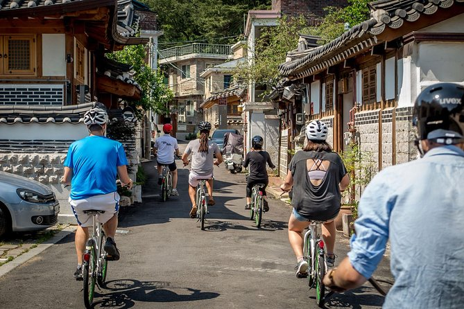 VIP Brompton Bike & Food Tour (with Car Pick Up Service), Seul, South Korea