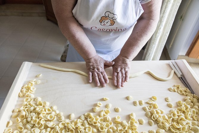 Private Pasta & Tiramisu Class at a Cesarina's home with tasting in Brindisi, Brindisi, ITALIA