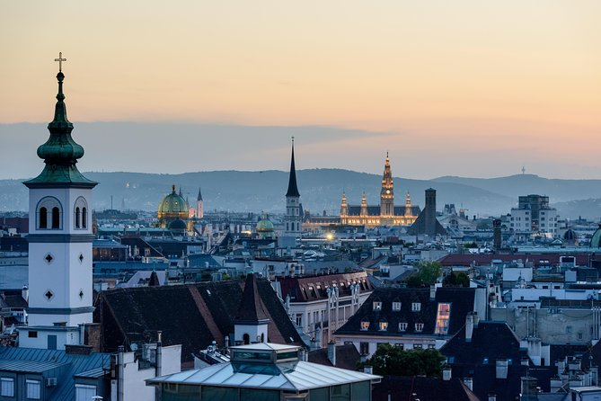 Salzburg → Vienna - 2h of Sightseeing - Comfortable Premium Car Private Transfer, Salzburgo, AUSTRIA