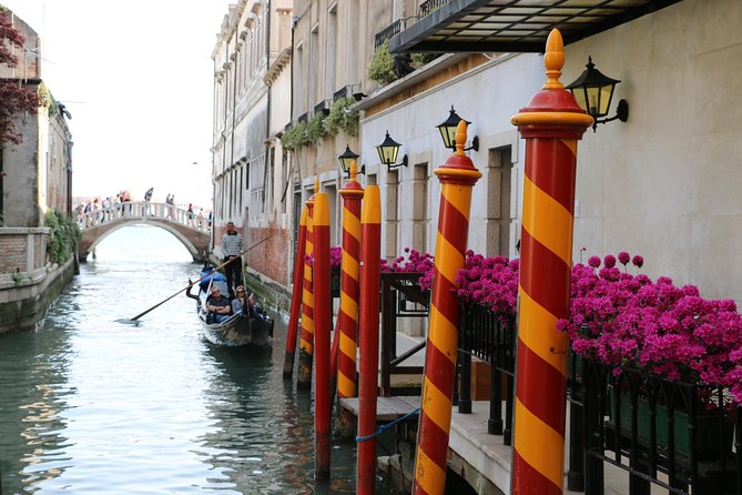 If you want to make sure you cover thehighlights of Venice, this full day tour is your best choice. If you're only spending a few days in Venice, covering thebest attractions in a single dayis a smart idea. That way, you can spend the remainder of your time in Venice sipping Prosecco by the canals. This tour includes stops atSt Mark's Basilicaand Square, theRialto Bridge,Doge's Palace(including Casanova's prison cell), a half hour gondola ride and plenty of hidden gems along the way. A lunch break is scheduled into the tour - we would never let you go hungry in Italy!