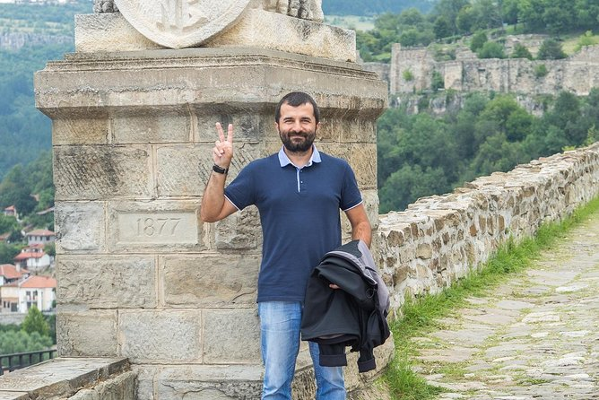 Bulgaria Full Day Tour to Veliko Tirnovo, Bucarest, RUMANIA