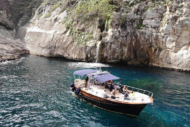 Half Day Private Capri Boat Tour From Sorrento, Sorrento, ITALIA