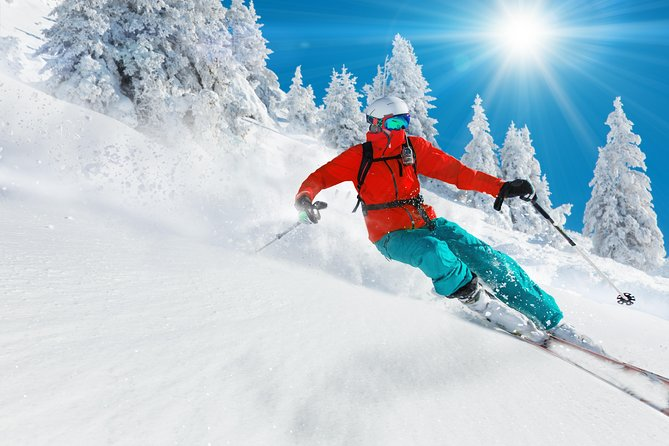 Get ready to hit the slopes with a complete line of skis and snowboards that offer the perfect gear to let you discover the mountains. You can pick up helmets, boots, and ski poles, and get custom fittings to make sure you're set for the great outdoors.<br><br>Whichever ski package you select, you can call your hosts in advance to make arrangements for your sizes and ideal gear, and be sure it's ready and waiting for you. When you get into town, just pick up your gear from a convenient location in the heart of Mammoth Lakes.