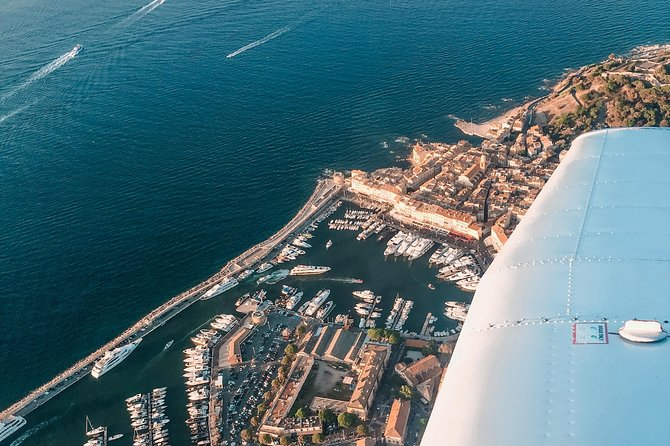 Fancy a trip to indulge in the sun-soaked romance of French Riviera? <br>Discover the beauty of south of France with an extraordinary lifestyle...with a micro aircraft from the sky! <br><br>Your pilot is key to this adventure. They are sharing the flights' direct cost, not making a profit. They just love to fly and want you to understand their passion for aviation. <br>So be sure to meet your pilot directly at the Mandelieu airfield.<br>++Confirm weather conditions with your pilot before++ --> Access a local airfield --> Discuss the flight route together with your pilot --> Pre-flight check --> Up you go, enjoy the view from a whole new perspective! <br><br>The flight can depart between 9-17h, depending on the availability of the pilot, aircraft, and weather. Please let us know your flexible hours/days upon booking, and make sure that you've been in touch with us beforehand!