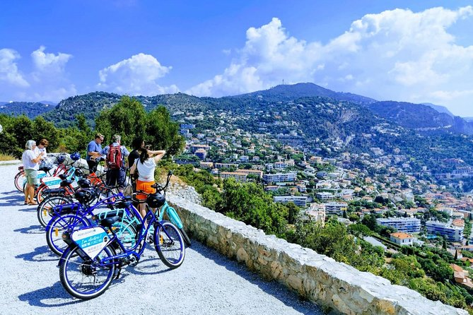 A 30-KM RIDE WILL LET YOU SPEND ENJOYABLE MOMENTS!<br><br>Go for a e-bike ride and enjoy the most beautiful panoramic views of the French Riviera!<br><br>Start your tour on a soft mode on the large cycle lane of the Promenade des Anglais to get used with your e-bike. Ride by the Rauba Capéu quay, the must see tourist attraction of Nice. Go along the port of Nice, then take the road to Villefranche-sur- Mer following the cape of Nice, one of the most amazing roads on the French Riviera.<br><br>Discover Villefranche-sur-Mer and its fortified citadel Saint-Elme before continuing your tour in the direction of the famous Forterest Mont Alban. From there you can see mountain and sea! <br><br>You will admire splendid beaches and turquoise waters of the Mediterranean sea. You will see numerous villas belonging to the greatest stars of cinema and music, your guide will tell you some stories about the places.
