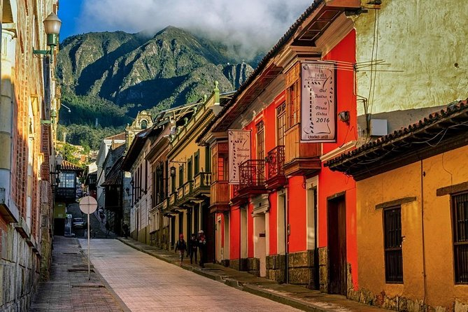 Get to know one of the most vibrant and thriving cities in Latin America. A place with near a 10 million population mixes with the contrast of the mountain, its ancestral memory that rests on the hills and a city that expands in a vibrant scene, a bridge capital between the colonial, the urban and the worldwide.