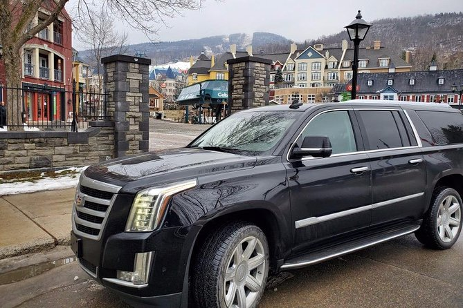 Private Luxury SUV Transfer from Mont-Tremblant to Montreal Airport.<br>Late Model Cadillac Escalade or Lincoln Navigator<br>Maximum 5 passengers.