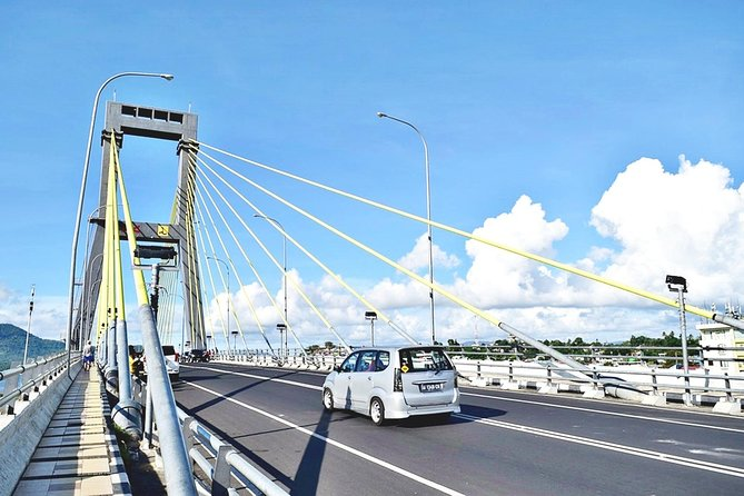 Discover Manado and surrounding at your own pace and be free to go wherever you want to for maximum 10 hours with your personal car, driver and English-speaking guide.<br><br>Daily starting anytime from 7 am (pick up time) and ending no later than 10 pm (drop off time)<br><br>Type of vehicle: Toyota Innova for 4 and Toyota Hiace for 5-12 passengers 10-hour time starts from the agreed stand by / pick up time.<br><br>Guide for other language is subject to additional charge and availability<br><br>Highlights : Flexibility to customize itinerary to your own preference, Flexible departure times and pick up/drop off locations within Manado and Minahasa, Excellent value for money. <br><br>Notes: Price is not applicable for shuttle use