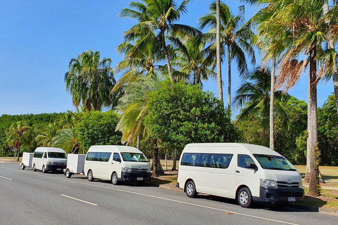 Safe Private Transfer from Port Douglas to Cairns for up to 13 people, Port Douglas, AUSTRALIA