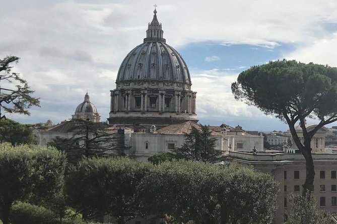 Prebook private transport from your Rome hotel to the world-famous Vatican Museums in Vatican City, and ensure a hassle-free start to your day of sightseeing. Simply book this air-conditioned transport service with a private driver at a time to suit your schedule, and travel from your central Rome hotel to the Vatican City with ease.