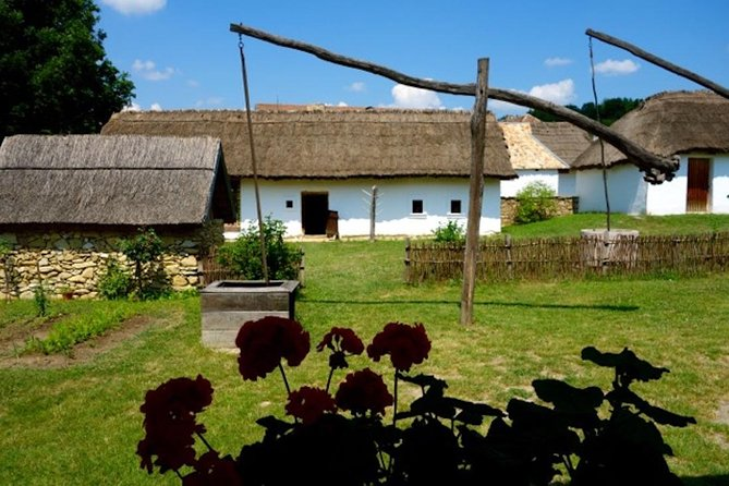 Visit the Open Air Folkmuseum nearby Budapest on a guided private tour!, Szentendre, HUNGRIA