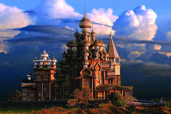 Kizhi is an island in Lake Onega, 68 km from the capital of Karelia, Petrozavodsk. The length of the island is 5.5 km.<br><br>There is a museum of traditional peasant culture of the Russian North on the island, one of the largest and most famous open-air museum reserves in Russia. You'll see architectural monuments, icon paintings and household items that have been created in Karelian, Veps and Russian villages for centuries.