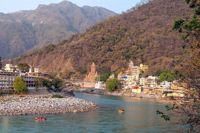 We provide you with the most convenient and affordable airport transfer from Dehradun Airport to your destination in Rishikesh. Our verified chauffeur will be waiting for you at the arrival section with your name tag. In case of any flight delays our driver waits for you and will safely drive you to your destination in the city. Any part of the city can be covered within an hours time.