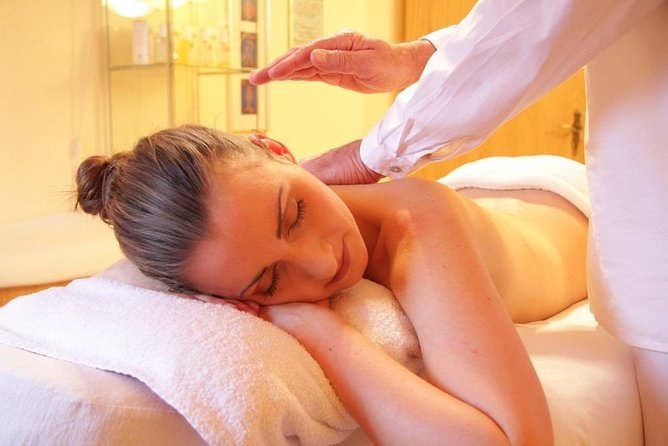 I am Male Therapist with 6 years experience of following <br>* Relaxation Massage<br>* Soft and Deep Tissue Massage<br>* Whole Body Oil Massage<br>* Indian Traditional Massage<br>* Sports Massage<br>* Cupping <br>* Head Massage<br>and more