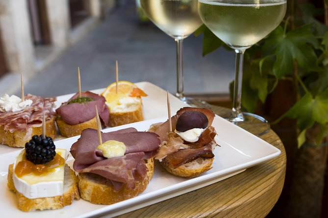 The art of the Italian Aperitivo with a local: Learn & Enjoy in Vicenza, Vicenza, Itália