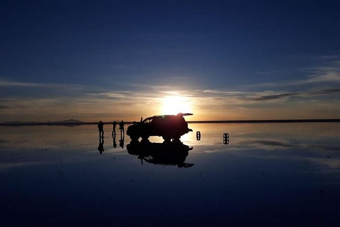 english guide + full day mirror effect sun set cup of wine, Uyuni, BOLIVIA
