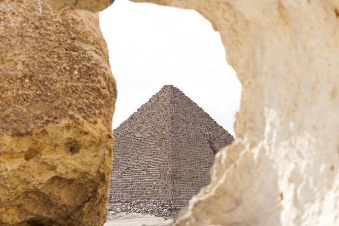 Enjoy visiting the best attractions of Cairo <br>Discover Egyptian Museum's amazing collection<br>Visit legendary Pyramids of Giza including the beauty of iconic Sphinx<br>Visit Khan El Khalili Cairo's old Bazaar