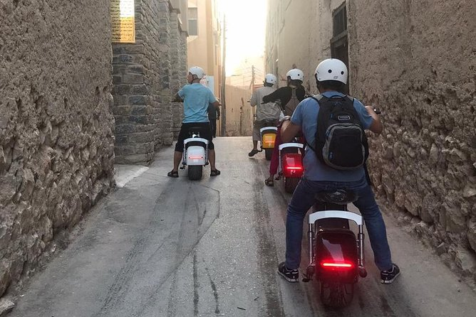 • Unforgettable experience with the most incent neighborhoods in Nizwa<br>• Discover and learn about some Omani customs and traditions a live <br>• Taste some fresh Omani local products and snakes <br>• Spend time with local person <br>• Enjoy a fun ride with a unique E-Scooter and see more in less time <br>• Make cool photo & videos <br>• Eco- Friendly Tour<br>