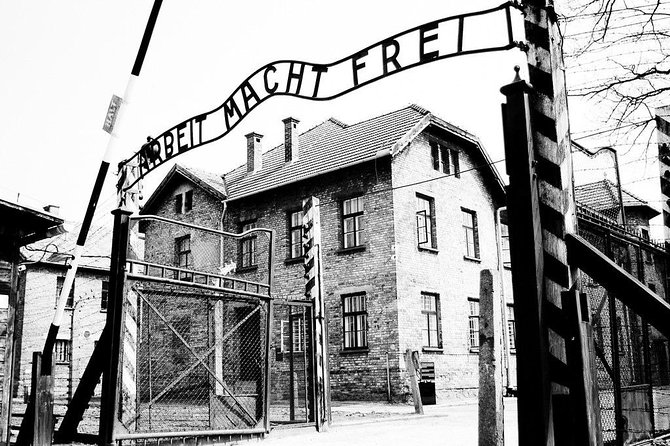Auschwitz Birkenau guided tour from Krakow private transport, Cracovia, POLONIA