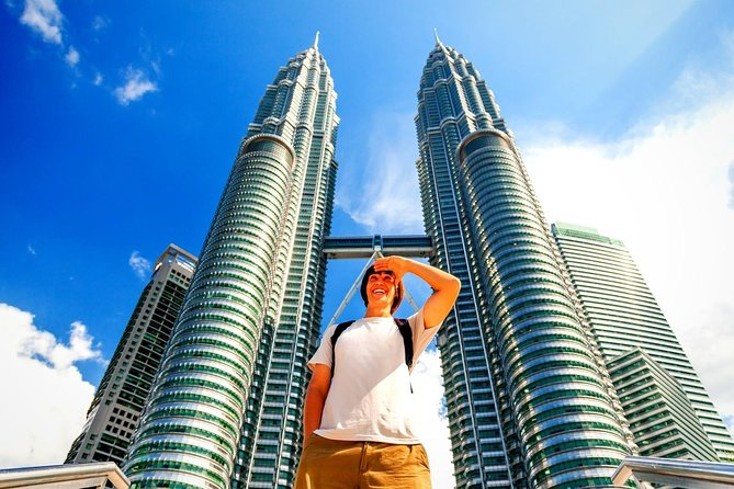 Admission to the Petronas Twin Towers Observation Deck and Skybridge is included with your sightseeing inKuala Lumpur. Visit other places of interest and get a better understand Malaysian life, includingCentral Market and the Batu Caves. A personal drivertakes you by private vehicle toeach site of cultural and historical value, such asMerdeka Square (Independence Square) and the National Mosque.