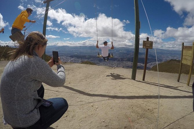 Excursión a La Mitad del Mundo y el teleférico de Quito, Quito, ECUADOR