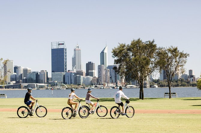 This guided bike tour explores Perth's iconic foreshores. From South Perth heading along the river cycle paths visiting wetlands, iconic buildings, Optus stadium precinct and Claisebrook Cove. It is a very gentle ride on flat cycle paths using on comfortable bikes.