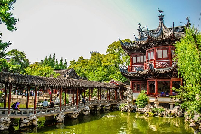 Yu Garden is a famous ancient private garden that was built in Ming Dynasty (1368-1644) with a history of more than 450 years. It was built by an officer for his old father to spend the old age. Thus you can hear the conception of filial piety is repeatedly mentioned there.<br><br>Book the tickets and you will be addicted to the beautiful scenery. The pavilions are scattered, the rockeries are grotesque, the trees are green and the lake is clear. It is like a small forest in city.