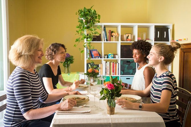 Dining experience at a local's home in Bologna with cooking demo, Bolonia, ITALIA