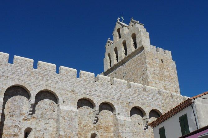 Private Camargue Day Trip to Saint Gilles du Gard, Les Saintes Maries de la Mer and Aigues-Mortes from Arles, Arles, França