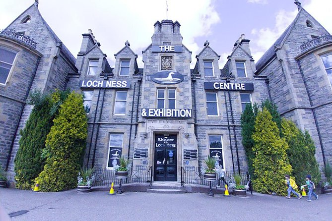 What a lovely way to see the Scottish Countryside as you meander through beautiful Highland villages and take in the amazing scenery en-route to your stops in Inverness, Dochgarroch, Urquhart Castle, Drumnadrochit and Beauly before returning to your starting point.