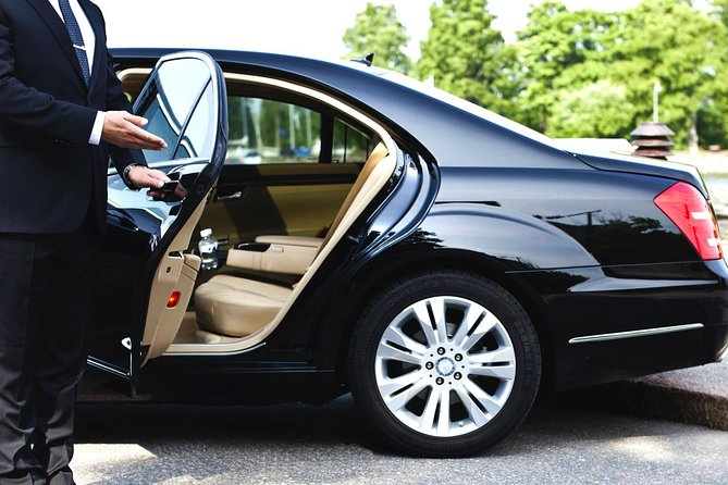 Trusted transportation of many. <br>Experienced drivers<br>Latest vehicles<br>Reliable service<br>Meet and Greet service<br>Luggage assistance etc