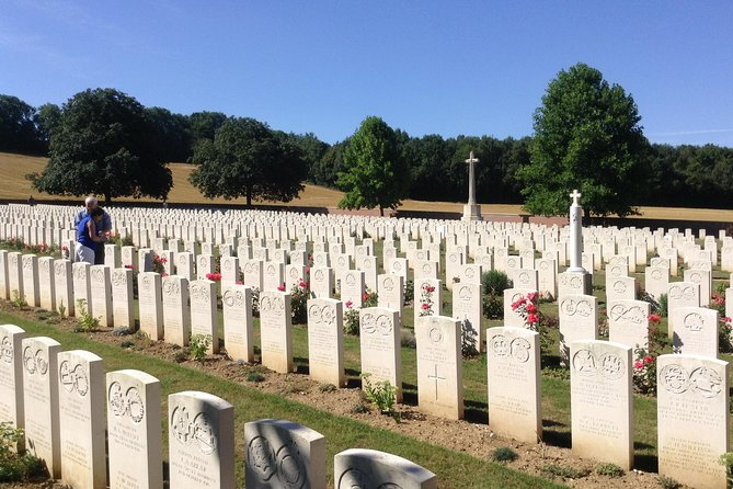 From Ypres, The Christmas Truce to Passchendaele Ypres Based WW1 private tour, Ypres, BELGICA