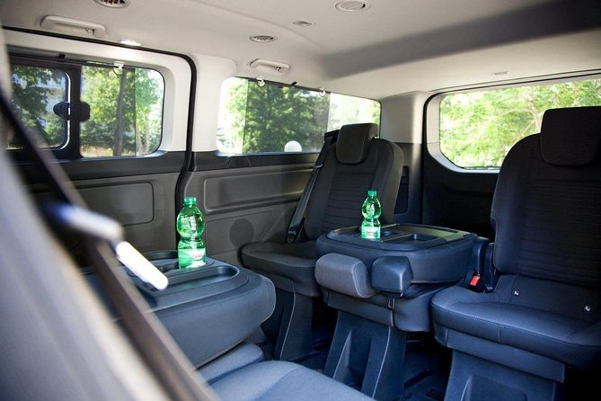 One-Way Private Transfer from Nuremberg to Prague By Comfortable Minivan, Nürnberg, ALEMANIA