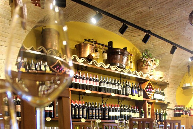 Wine Tasting & Sharing The Local Culture And Heritage, Assisi, ITALIA