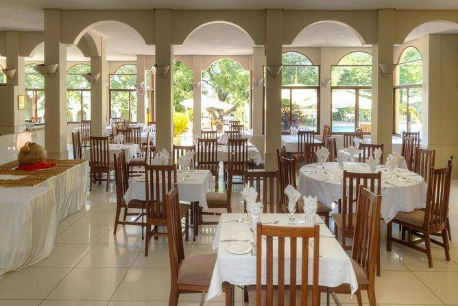1 Night Victoria Falls Rainbow Hotel Package, Cataratas Victoria, ZIMBABUE