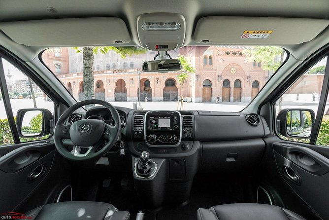 Departure Private Transfer Disneyland Paris to Train Station or City by Minivan, Marne-la-Vallee, FRANCIA