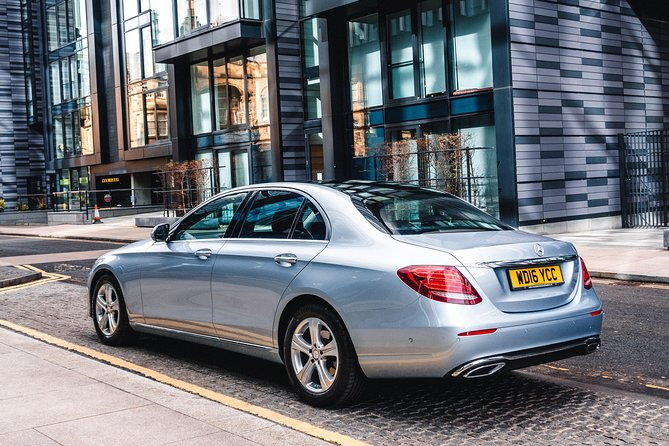 Enjoy a Luxury Private Transfer from Dundee to Glasgow with your own Chauffeur. <br><br>Your journey will be stress free and you will have no parking worries or expensive charges, the driver will load the vehicle and ensure you are comfortable before setting off. <br><br>When you arrive at your destination your driver will assist with luggage and ensure you are settled before departing.
