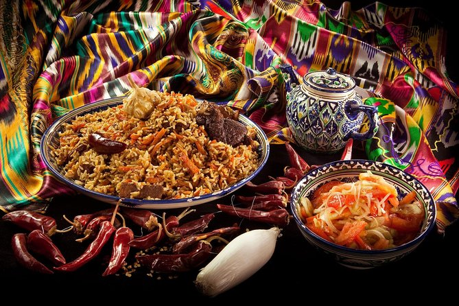 During this activity you will learn and explore the secrets behind the preparation of the traditional Uzbek Palov.<br>Our team will help you so that you can cook it all delicious, so make it tastier so that you can enjoy a delicious meal)))