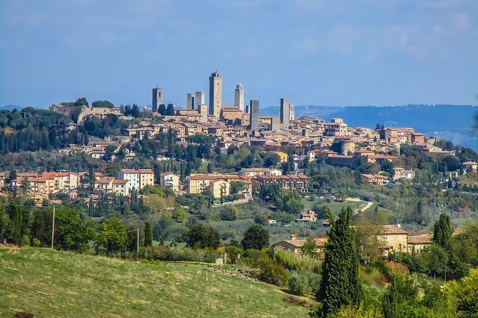 Private Transfer: Ciampino Airport (CIA) to San Gimignano and vice versa, San Gimignano, Itália