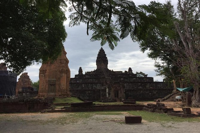 Private One Day to Banteay Srei, Rolous Group and Kompong Phluk, Angkor Wat, CAMBOYA