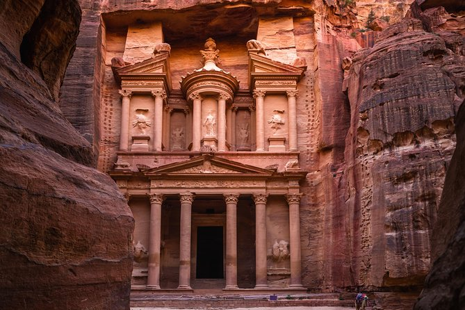 2- Night Private Jordan Secrets Tour from Sheikh Hussein Border Crossing, Petra, JORDANIA