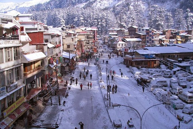 Located in the northern part of India, Himachal Pradesh is a paradise for tourists and our Himachal tour package lets you explore this paradise at its best. Be it the splendid surroundings of Shimla, the magical mountains of Manali or the delighting down-hills of Dharamashala, this Himachal Tour Package take you to every beautiful corner of the place. Further, a short visit to Amritsar and its tourist charms like the Golden Temple and Jallianwala Bagh are a part of this six nights and seven days Himachal Tour Package.